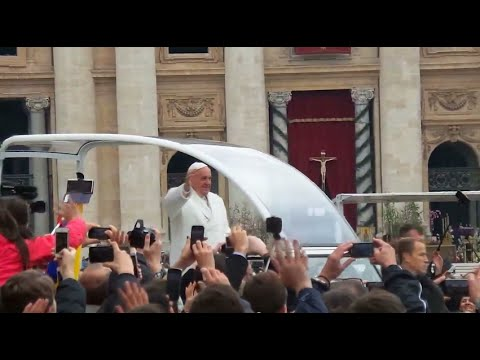 Pope Francis 2015 Easter Mass in Vatican City