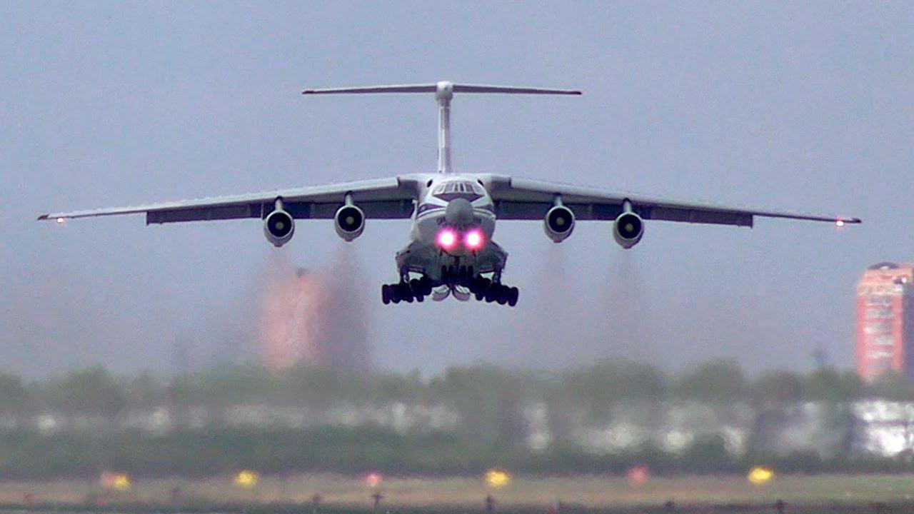 Ил-76 взлетает курсом 119° / Аэродром Чкаловский 2020 (+ переговоры пилотов)