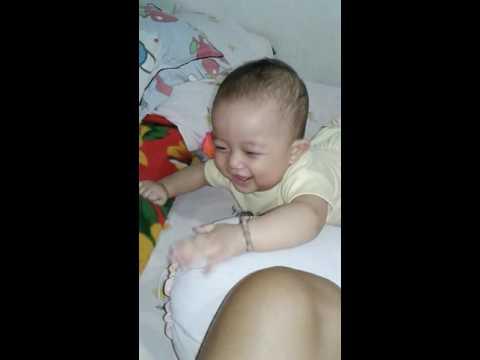 Bayi lucu usia 7bulan