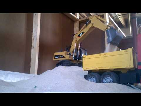 Top Race TR-211 RC excavator review/digging sand