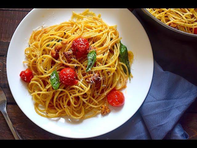 Spaghetti Aglio e Olio With Cherry Tomatoes & Walnuts | Dinner Recipes | Slurrp