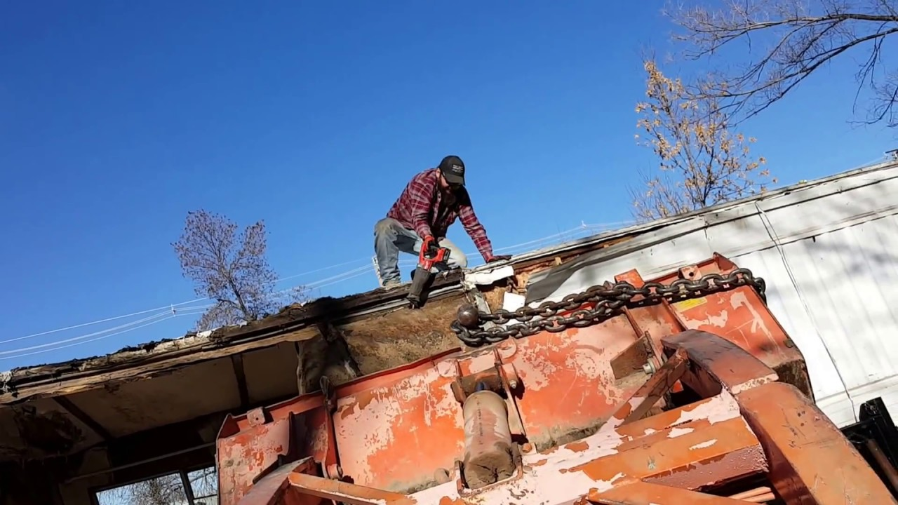 Mobile home roof removal with a sawzall - YouTube