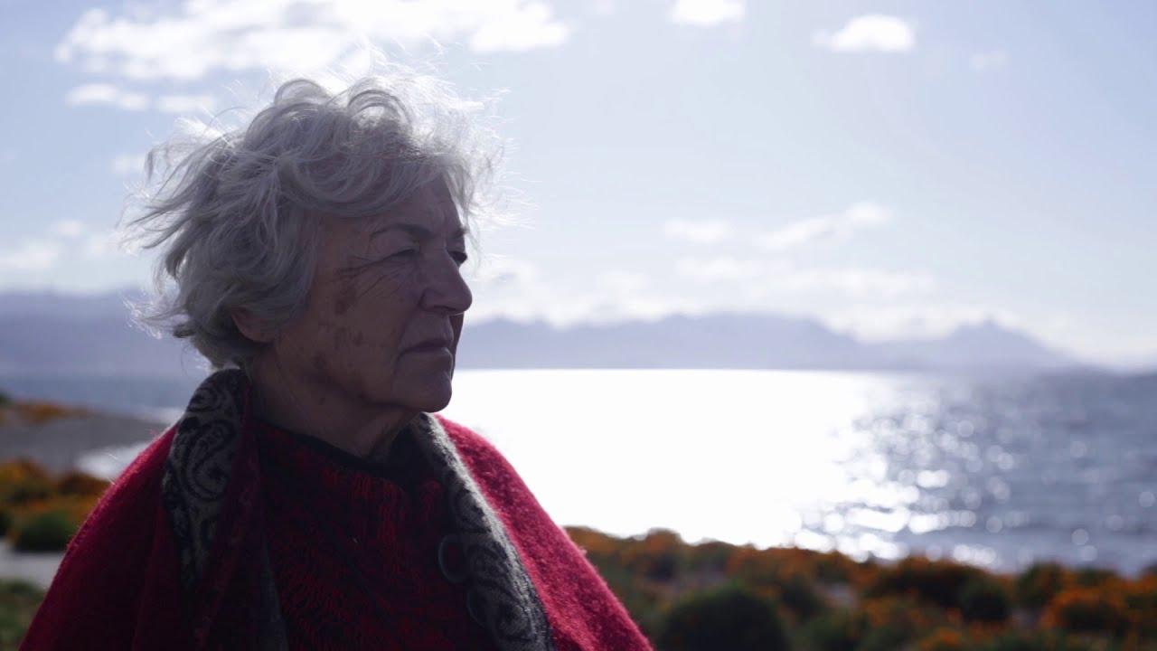 """A argentina Sara Vallejo aos 80 anos mora viajando em um motorhome.""""A donde me lleve el viento""""."""