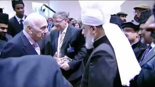 Who is the Leader of the Muslims? Ameer-ul-Momineen Hadhrat Mirza Masroor Ahmad