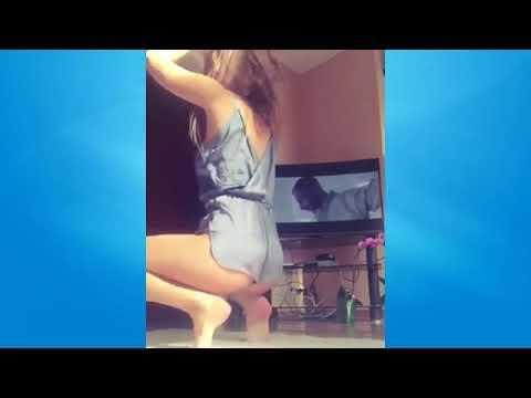 Loira gostosa dançando fuk se calcinha
