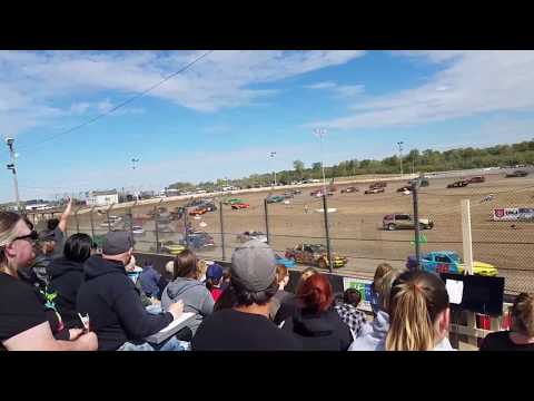 10-1-17 LaSalle Speedway IL Day of Destruction opening 200 lap Enduro race. Believe 63 cars at start