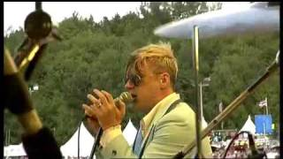 Me First And The Gimme Gimmes - Me And Julio Down By The Schoolyard (Live