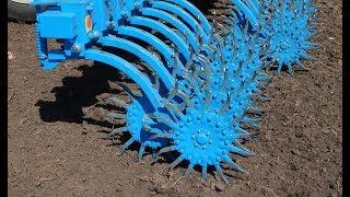 Борона мотыга ротационная ANTOKS  розрушает корку на посевах рапса.