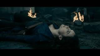 Лили Джеймс и Сэм Райли в фильме-Гордость и предубеждение и зомби.Муз.клип.
