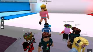 Roblox Gameplay-Pick A Side-Ultimate Question That Will Show If Your Selfish Or Not (READ DISC PLZ)