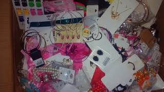 Wholesale Boxes Of Jewelry At Closeout Warehouse By Wholesalejewelrydropshipper.com