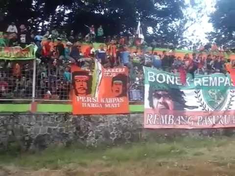Persekabpas Pasuruan vs Kresna FC Surabaya (Bonek Sakera Bernyanyi Bersama)