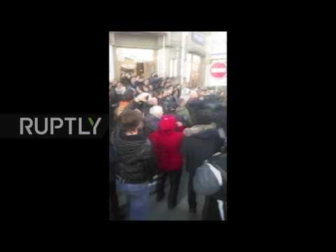 Russia: Scuffles as police detain Aleksei Navalny at anti-corruption protests in Moscow