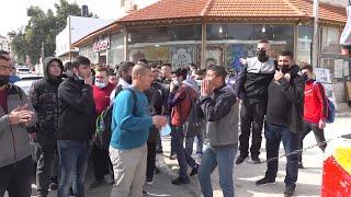 طولكرم: طلبة الثانوية العامة يعتصمون أمام مديرية التربية والتعليم