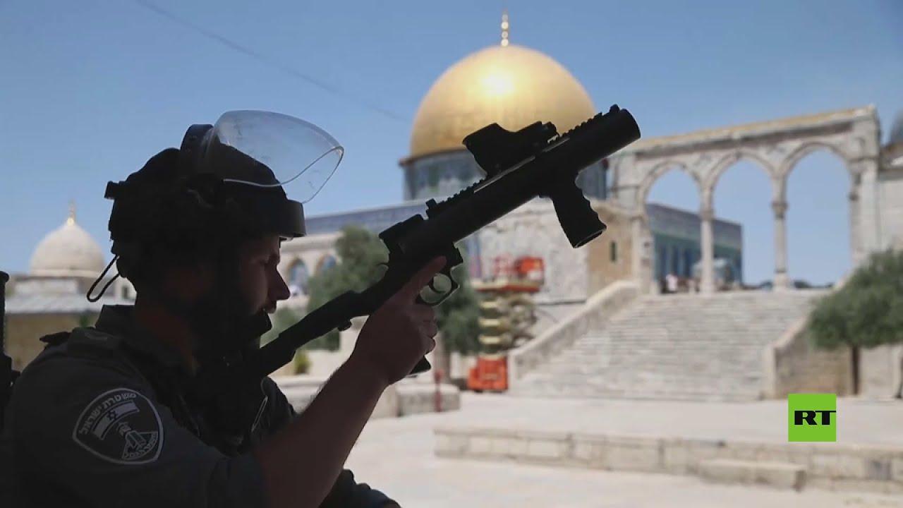 اشتباكات الفلسطينيين و الشرطة الإسرائيلية في باحات الأقصى  - نشر قبل 3 ساعة