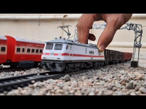 HEAVY RAILWAY TRAFFIC || BUSY LINE OF INDIAN RAILWAYS || TOY TRAIN | Ho scale model