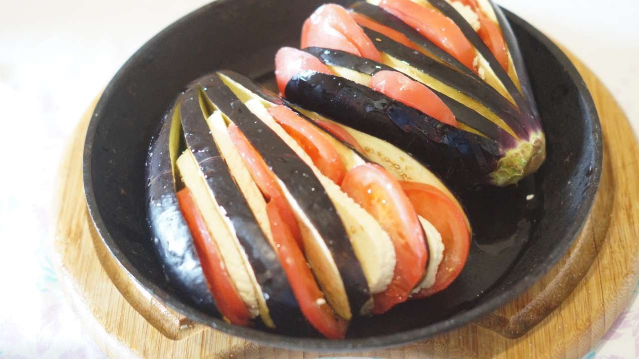 How To Baked Eggplant With Tomatoes And Cheese. - DIY Food ...