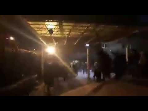 Lancement d'un conflit et de gaz lacrymogène par les forces du régime oppressif d'Iran