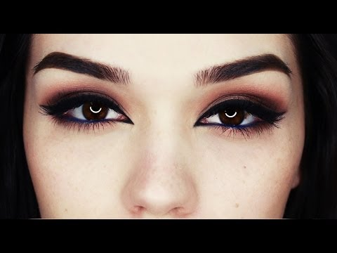 Bronze eyes with Arab liner makeup