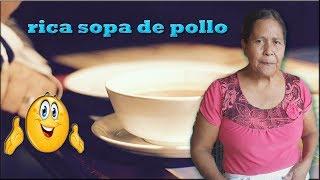 PREPARANDO UNA RICA SOPA DE POLLO 1/3