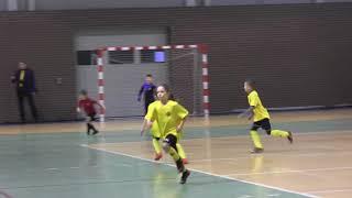 CZ2-Mikołajkowy Turniej Halowy FC Yellow Gromadka Winter Cup 2018 - I Meczyk z Promień Żary