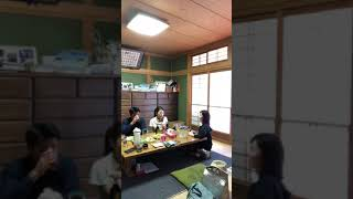 日常会話。愛媛県、田植えにきた時。自然栽培で作った大豆で、お豆腐を食べてる様子です。