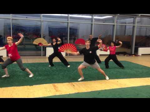 Ушу. тренировочный процесс.16 форма Тайцзи веер