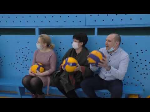 Команда завода ФОРЭС провела первый волейбольный матч в отремонтированном спортзале