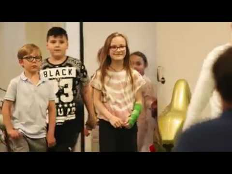 Roger Federer's surprise visit to Basel children's hospital | Happy Easter