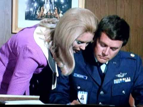 "Nice Secretary 1 / 1 "" I Dream of Jeannie "" 1969"