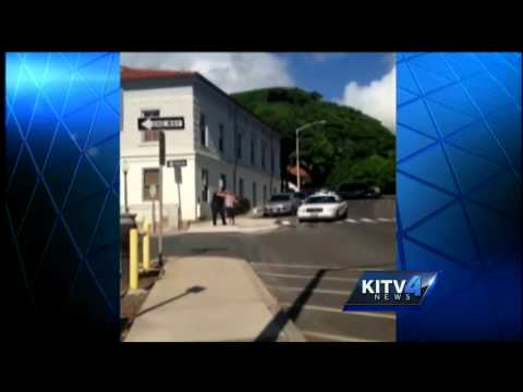 Police officer hits Maui mayoral candidate with Taser