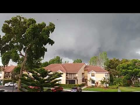 Tornado in Coral Springs, Florida