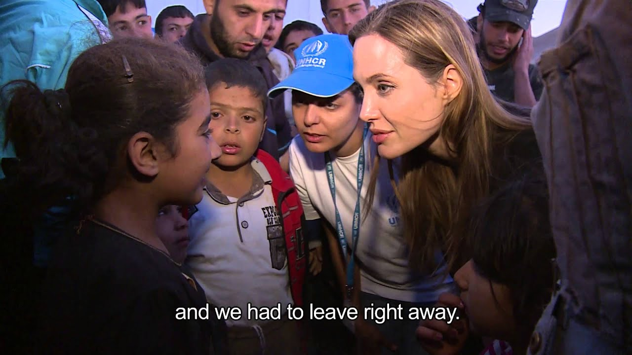 Jordan: Angelina Jolie meets Syrian Refugees at Border ... анджелина джоли