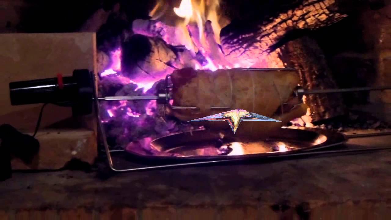 Girarrosto nel camino di casa girarrosto elettrico pizza for Sportello per forno a legna
