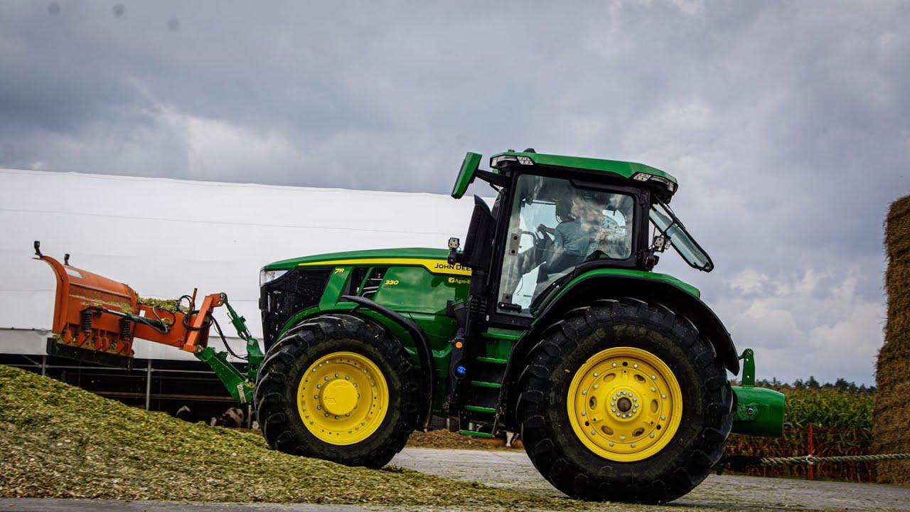 John Deere 7R330 Agro-Efekt & GR SNELA &