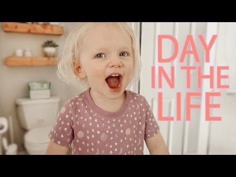 BUSY DAY IN THE LIFE OF A MOM 2019! / Target Haul, Redecorating, Microblading