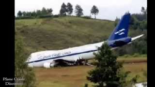 Repeat youtube video Plane crashes fails compilation October 2013