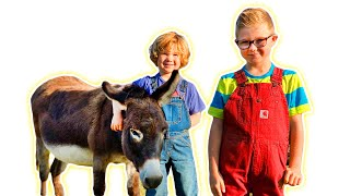 Фото Kids Play Old MacDonald Had A Farm With Animals | Videos For Children