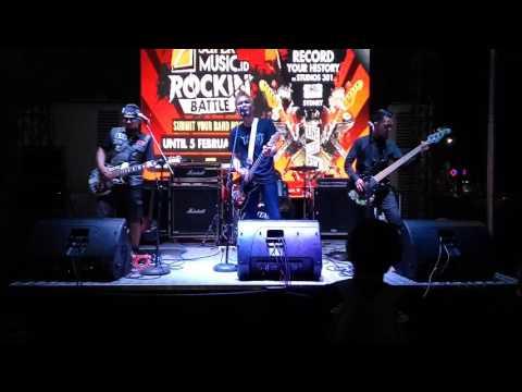 Superiots - Koruptor Live Road To Rock In Battle