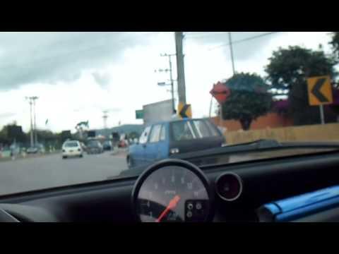 Caravana 14 Club Fiat Uno Colombia a las afueras de Bogota