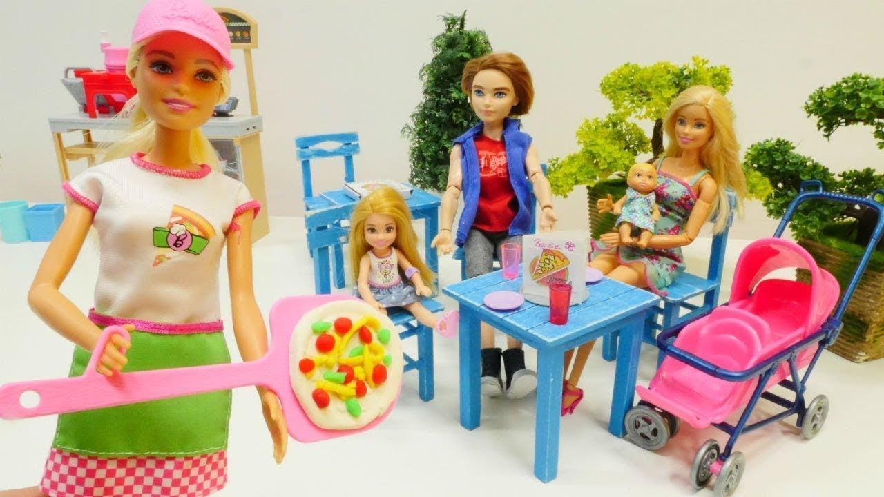 spielspa mit puppen barbie geht ins restaurant spielzeugvideo f r kinder youtube. Black Bedroom Furniture Sets. Home Design Ideas