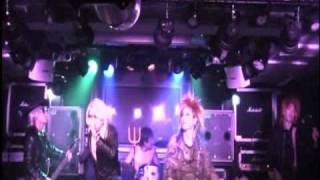 大阪でXのコピーいやエアーバンドやってます。僕たちのエアバンドはカラ...