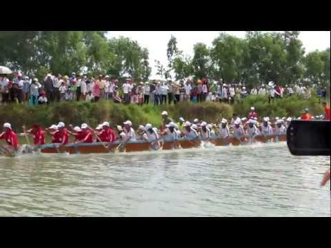 [30/08/2012]Clip 5- Lễ hội bơi đua thuyền truyền thống trên sông Kiến Giang