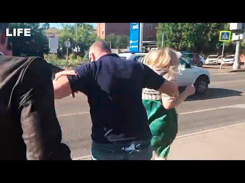 Отчим Кокорина напал на журналистов