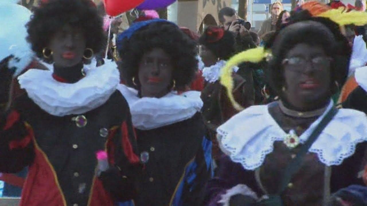 Dutch Christmas.Zwarte Piet Dutch Christmas Parade Where Santa S Helpers Black Up Sparks Racism Row