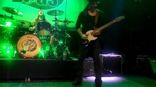 THE WINERY DOGS - 4/10: Six Feet Deeper (Live in London 2013)