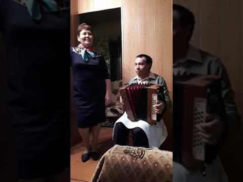 Играй гармонь.Классно поют)))чувашская песня.