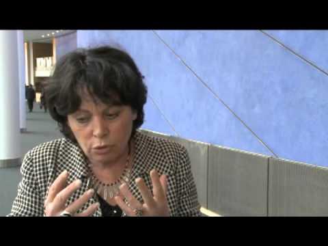 [interview] Michèle RIVASI -  rôle des élus sur la question des ondes