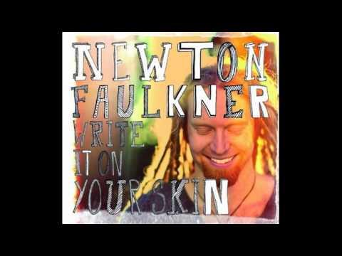 Клип Newton Faulkner - At the Seams