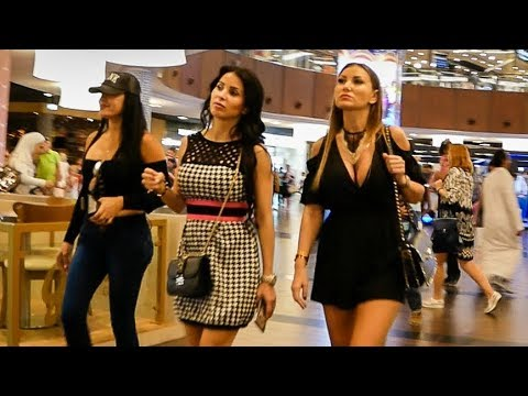 Dubai Mall - World's largest Shopping Mall
